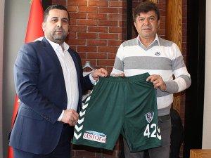 Anadolu Selçuk'a forma sponsoru