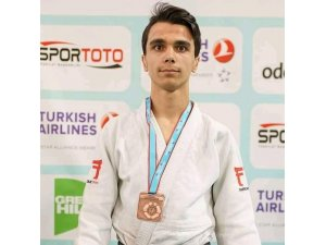 Burak Yıldırım Türkiye 3'üncüsü oldu