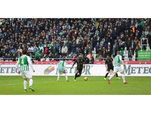 Bifouma Beşiktaş maçında yok