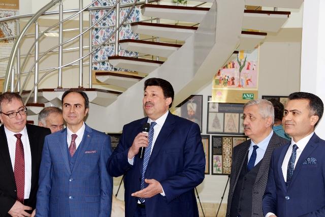Selçuk'ta 'Bahçe ve Çiçek' sergisi açıldı