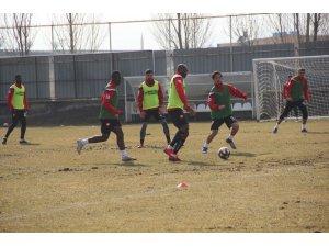 Elazığspor'un yeni teknik direktörü şehre geldi