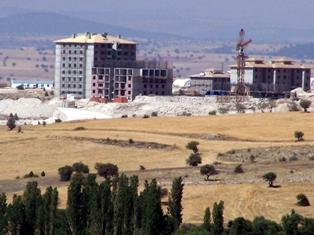 Beyşehir'de TOKİ konutları göl manzaralı olacak