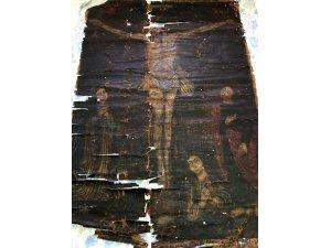 Hz. İsa'nın 13. yüzyıla ait çarmıh tablosunun ele geçirilmesi
