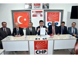 Bilecik'te CHP'nin adayı rakiplerini listeye yazmadı