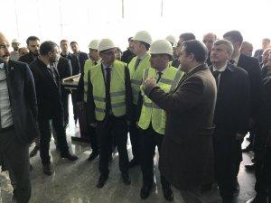 Bakan Turhan, Yeni Tren Garı ve Lojistik Merkezi'ni inceledi