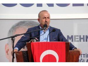 """Bakan Çavuşoğlu: """"Zillet ittifakı, vatan hainleri, terör örgütleri birlik içerisinde"""""""