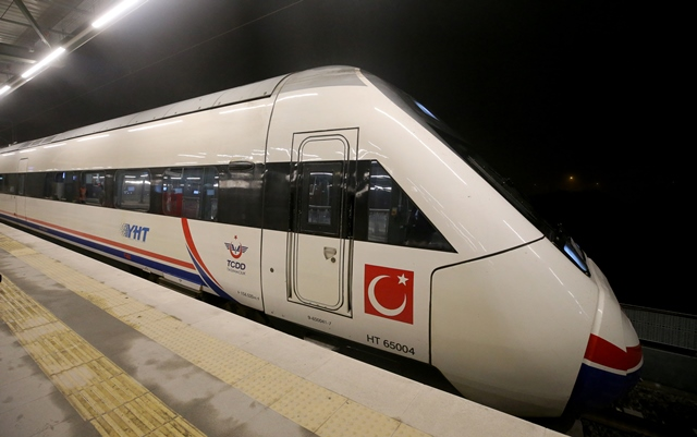 YHT ile Konya-İstanbul  4 saat 45 dakika