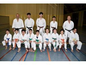 Belçika'da Türk karateci çocukların başarısı