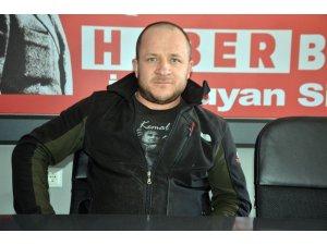 Partisinin politikasını eleştirdi diye CHP'den ihraç edildi