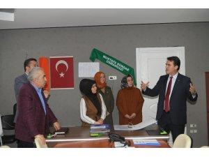 Dündar, AK Parti Osmangazi SKM'yi ziyaret etti