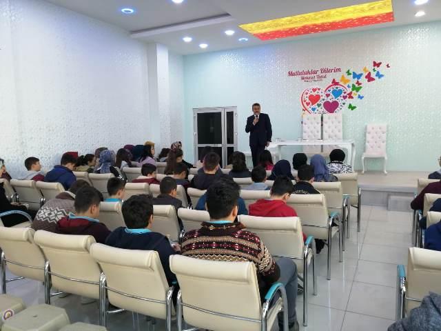 Başkan Tutal, öğrencilerle söyleşi yaptı