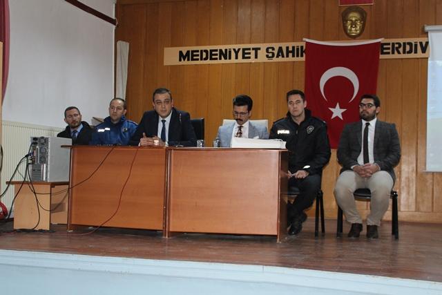 Yunak'ta seçim güvenliği toplantısı