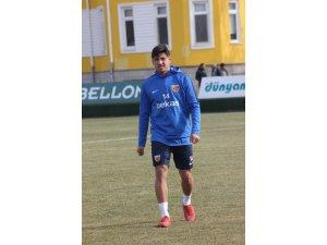 İstikbal Mobilya Kayserispor Nurettin Korkmaz 2,5 yıllık sözleşme imzaladı
