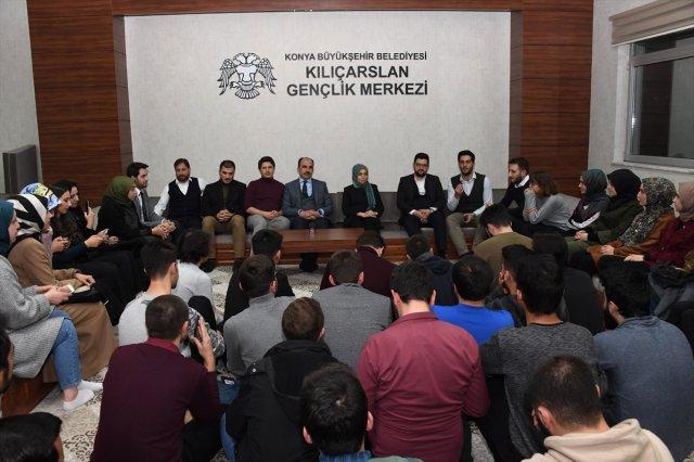 Konya milletvekilleri Usta ve Özboyacı gençlerle buluştu