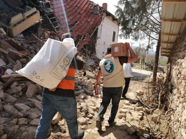 Konya'dan Denizli'ye deprem bölgesine yardım