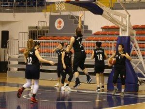 Kepez'in Belediyespor bölge şampiyonasında ikinciliğe yükseldi