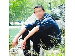 Liseli genç tartıştığı arkadaşını boğazından bıçakladı