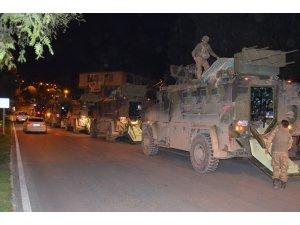 Sınırda bulunan askeri birliklere komando sevkıyatı