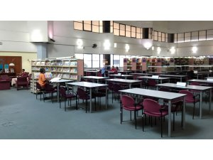 Mimarisi bilgeliği simgeleyen Malezya Ulusal Kütüphanesi