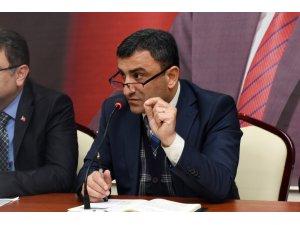 AK Parti Ortahisar İlçe Başkanı Temel Altunbaş mahalle başkanlarıyla toplandı