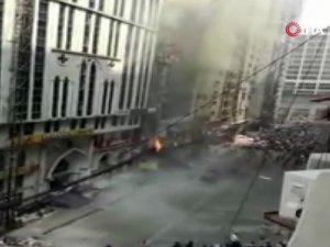 Bangladeş'te 22 katlı binada yangın