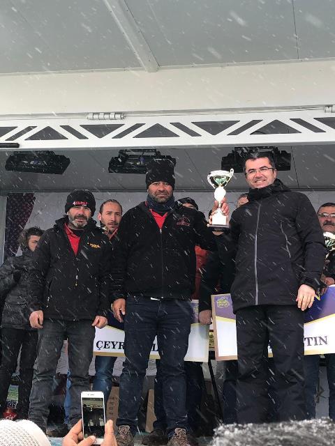 Başkan Beyşehirli şampiyon off-road pilotunu kutladı