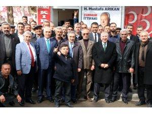 Eski vekil Akdoğan'dan Cumhur ittifakı adayı Arıkan'a destek