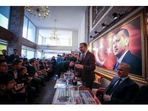 Bakan Kasapoğlu, Balıkesir'de gençlerle buluştu