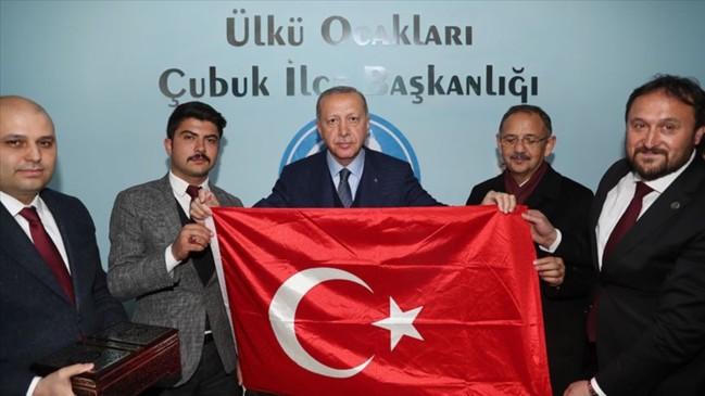Erdoğan Ülkü Ocaklarını ziyaret etti