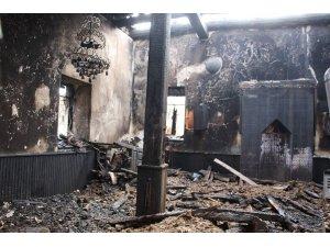 Miraç Gecesi camileri yandı