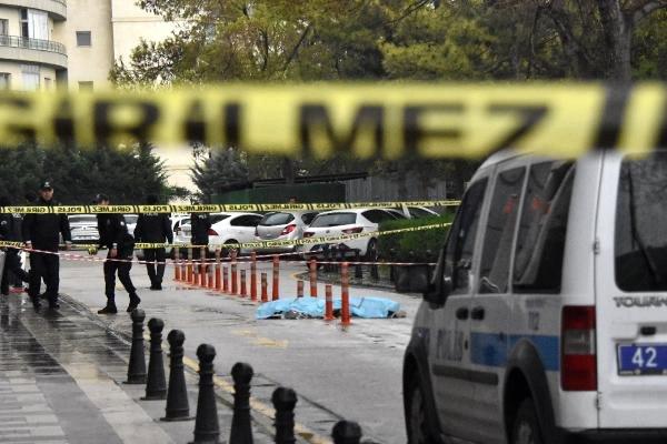 Plazanın 42'nci Katından Atlayan Genç Kız Öldü