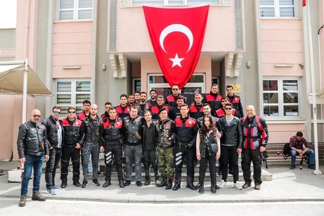 Konyalı Motosikletçilerden, motosikletli polislere ziyaret