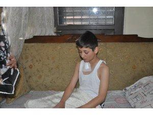 """Omzuna """"yorgun mermi"""" isabet eden çocuk yaralandı"""