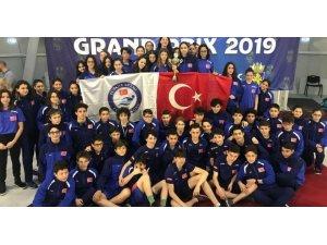 Türkiye Yüzme Federasyonu Karmaları Bulgaristan'da tarih yazdı