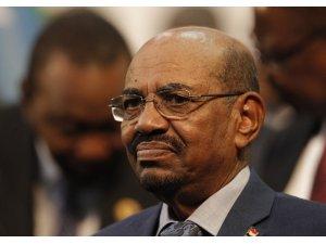 Sudan'ın devrik lideri Beşir hapishanede, tüm mallarına el kondu