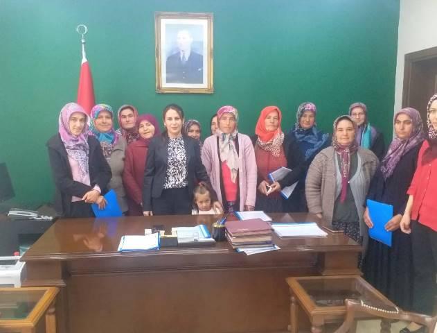 Derbent'te kadınlar da çilek üretecek