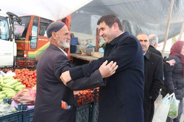 Başkan Çiğdem pazar esnafını ziyaret etti