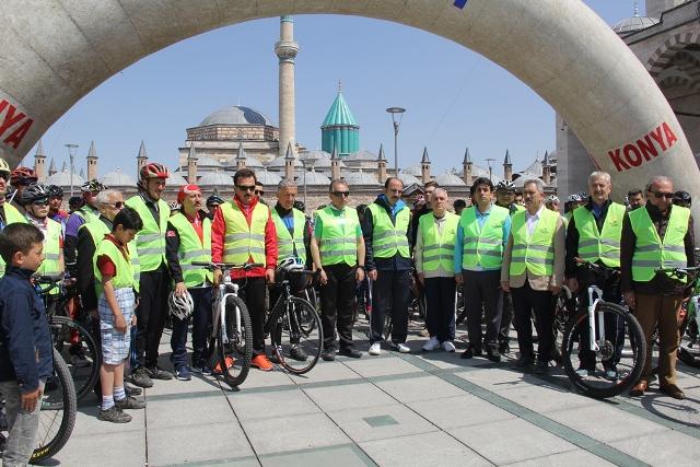 Şehitler Anısına Bisiklet Halk Yürüyüşü yapıldı