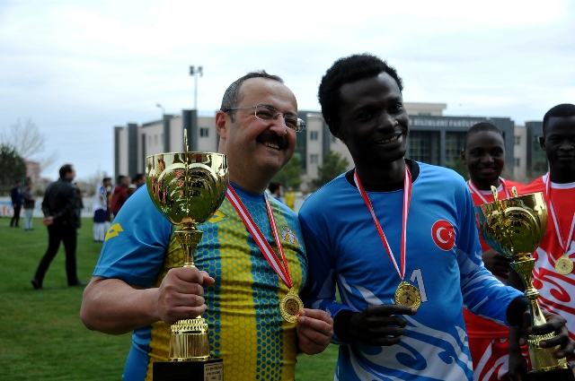 """Selçuk'ta """"26'ncı Spor Şenliği"""" başladı"""
