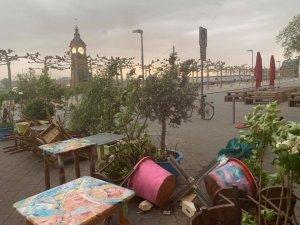 Fırtına ve şiddetli yağmur NRW'yi felç etti
