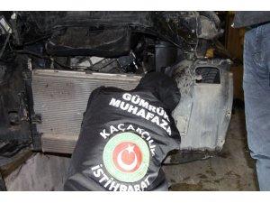 Araba motorunda 11.4 kilogram eroin yakalandı