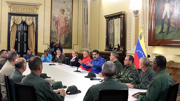 Maduro: Bu darbe girişimi cezasız kalmayacak