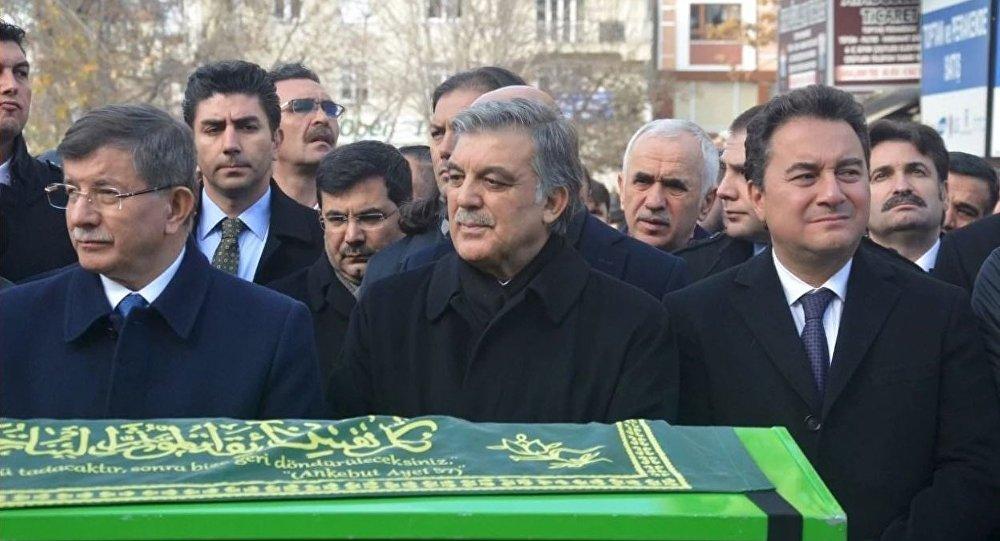 Dilipak: Gül-Davutoğlu-Babacan oluşumuna kadro hazırlanıyor