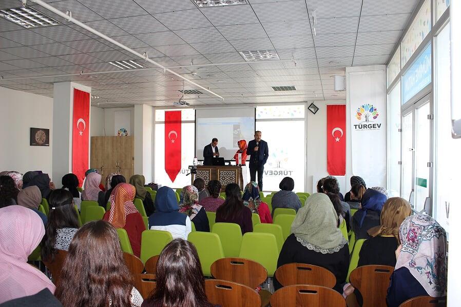 Salih Yılmaz Konya'da konferans verdi