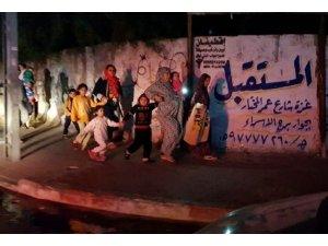 İsrail Gazze'de bir camiyi vurdu: 3 yaralı