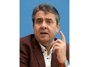 """Eski Alman Dışişleri Bakanı Gabriel: """"Avrupa Rusya'ya karşı kendi güvenliğini kendisi sağlamalı"""""""