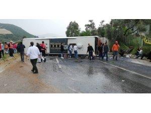 (Düzeltme) Milas'ta feci kaza: 2 ölü, 12 yaralı