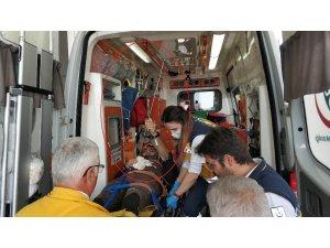 Karnına saplanan zıpkınla hastaneye kaldırıldı