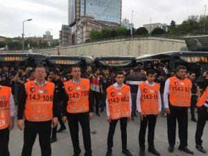 Beşiktaş taraftarı Galatasaray derbisi için yola çıktı