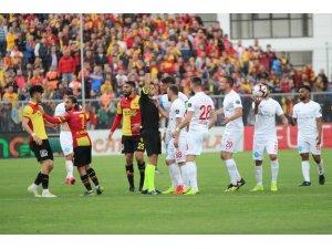 Spor Toto Süper Lig: Göztepe: 4 - Antalyaspor: 1 (Maç sonucu)